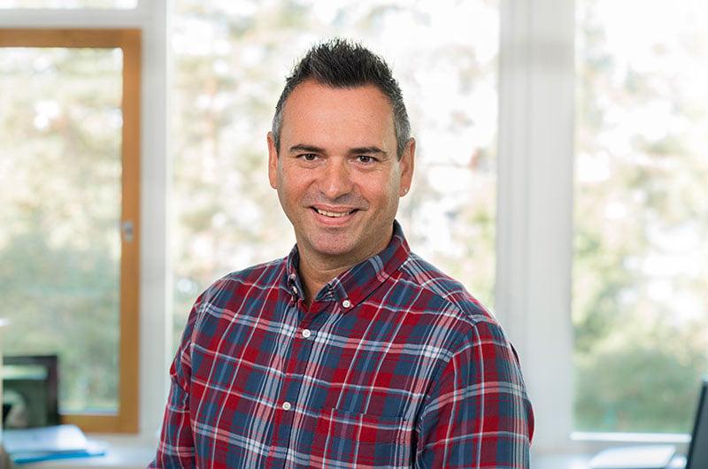 Porträttfoto av Christian Hernandez, teknisk förvaltare på John Mattson.